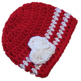 China Crochet Red Baby Valentine Day Hat,Handmade Knit Baby Boy Girl Striped Beanie with White Heart,Infant Spring Winter Cap,Newborn Photo Prop suppliers