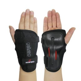 $enCountryForm.capitalKeyWord Australia - SOARED Wrist Guards Support Palm Pads Protector For Inline Skating Ski Snowboard Roller Gear Protection Men Women Hand Protector #72837