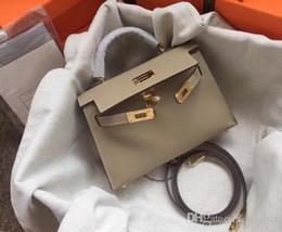 PoPular ladies bags online shopping - Fashion classics Shoulder BagsCross BodyToteshandbags brand fashion TOP luxury designer bags famous women Popular Hand Bill Shoulder Slant5V
