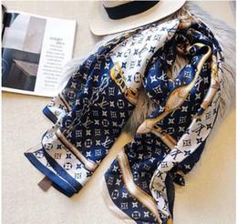 Ingrosso Sciarpa di seta primavera 2019 donne calde lettera scialle sciarpa moda collo lungo anello regalo di Natale all'ingrosso 180x90cm