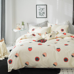 cartoon fruit strawberry Australia - 2018 Cute Strawberry Fruits Bedding Set Cotton Fabric 3 4Pcs Twin Queen King Size Duvet Cover Flat Sheet Pillow Cases