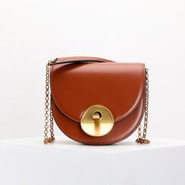 $enCountryForm.capitalKeyWord NZ - Belle2019 Saddle Chain Golden Great Circle Buckle Semi-circle Package Genuine Leather Single Shoulder Satchel Woman