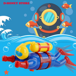 $enCountryForm.capitalKeyWord NZ - Hot Figure Gliding Chain Diver Figurine Wind-up Swim Bath Divers Bath Taken Bathtub Toys Clockwork Mechanical Toy for Children