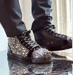 different shoes UK - Brand Studded Shoes Spiked Traine Veau Velours High Top Sneakers Red Bottom Shoes Men's Spiked + Different Strass Rhinestones New Style