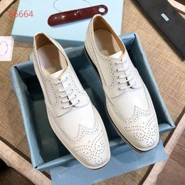 $enCountryForm.capitalKeyWord Canada - Fall and Winter 2018 new fashion brand carved lace business shoes, fashionable leisure thick soled men's shoes, size 38-44
