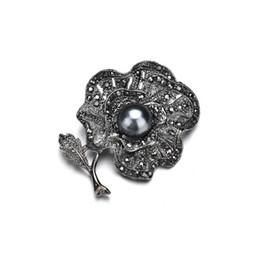 $enCountryForm.capitalKeyWord Australia - Vintage scarf broches pin imitation gun black pearl rhinestones Flower brooch Elegant Women's Clothing Accessories b449