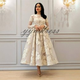 $enCountryForm.capitalKeyWord Canada - Prom Dresses 2019 Jewel Neck Knee Length Long Sleeve Sheer Lace Appliques Evening Gowns Formal Celebrity Party Dresses
