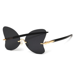 Discount sunglasses wholesale united states - Butterfly-shaped frameless sunglasses 2019 fashion new trend personality designer Europe and the United States personali