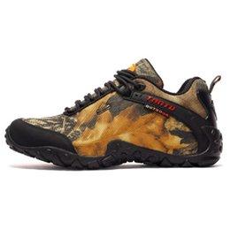 $enCountryForm.capitalKeyWord Australia - 2019 Fashion Men Hiking Shoes Waterproof Canvas Outdoor Shoes Anti-skid Mountain Climbing Fishing Boots Sneakers Sport hunting