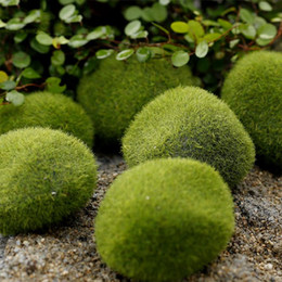 Wholesale 20pcs Bag Artificial Green Moss Ball Fake Stone Simulation Plant DIY Decoration Shop Window Hotel Home Office Plant Wall Decor