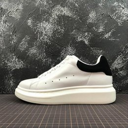 $enCountryForm.capitalKeyWord Australia - ACE Cheap Black white red Fashion Luxury Designer Women Shoes Gold Low Cut Leather Flat designers mens womens Casual sneakers 8hg