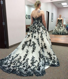$enCountryForm.capitalKeyWord Australia - Vintage Gothic Black and White Wedding Dresses 2019 Plus Size Sweetheart Strapless Sweep Train Corset Country Western Lace Wedding Gowns
