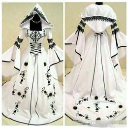 $enCountryForm.capitalKeyWord Australia - 2018 Unique A-Line Black Lace White Satin Gothic Wedding Dresses With Hat Bridal Gowns Flowers Adorned Vestidos De Mariee