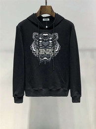 Tiger hoodies online shopping - 2019 FW New Arrival Top Quality Brand Designer Men s Clothing Tiger Eyes Print Embroidery Street Hoodies Long Sleeve Sweatshirts M XL