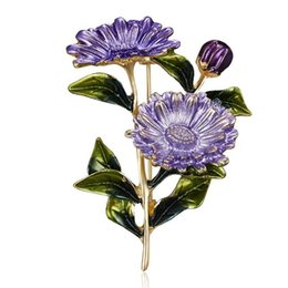 paintings american indians Australia - Broches women small Daisy Chrysanthemum Brooch Beautiful European Alloy Painting Oil Plant Corsage luxury designer pin brooches