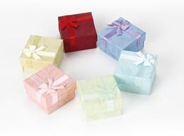 Venta al por mayor de La nube cubre la caja del anillo del oído 4 * 4 caja de clavos cielo y tierra de un pequeño joyero cajas de embalaje de joyas