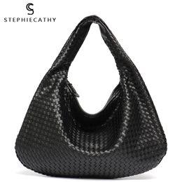 Handmade Zipper Bag Australia - Monfere Brand New Vegan Leather Hobo Bag Handmade Woven Casual Female Handbag Big Capacity Patchwork Zipper Women Shoulder Bags J190505