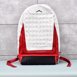 8fbbb6f234e0 Мужчины и женщины повседневная мода на открытом воздухе путешествия  спортивный рюкзак A 13 J дизайнер белый красный кожаный предохранитель  рюкзак