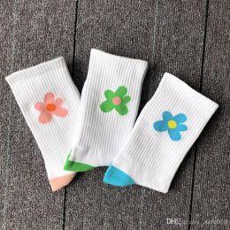 $enCountryForm.capitalKeyWord Australia - 19SS small flower socks Korean wind Japanese sweat-absorbent tide short flower pattern classic in the tube hundred couples skateboard socks