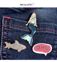 Ingrosso 3PCS / Set Mermaid Brooch Cartoon Collare di smalto Pins Badge Corsage Mermaid Brooch Jewelry Gift For Girls