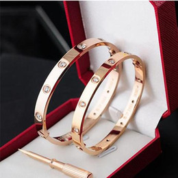 Wholesale Fashion Jewelry Designer Men s and Women s Bracelets New Rose Gold L Stainless Steel Screw Charm Bracelet with Screwdriver Screw Never Lo