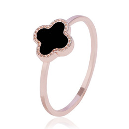 $enCountryForm.capitalKeyWord UK - Fashionable and Simple Four Leaf Clover Rings 18K Rose Gold Black Plating Fashion Rings #16 #17 #18