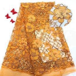2019 African Laces Fabrics Tessuto in pizzo francese francese con ricamo in nigeriano 3D Tessuto in pizzo francese di alta qualità in Offerta