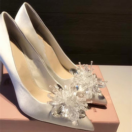 $enCountryForm.capitalKeyWord Australia - New arrivals White Satin Silk Wedding Shoes cinderella crystal Bridal Shoe Prom Party Pump heels flat 6cm 8cm 10cm size 33-43 free shipping