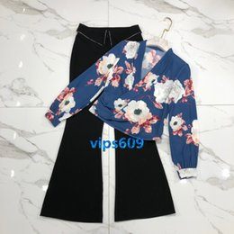 flared floral trousers Australia - Women Pants suit Long sleeve V-neck floral print shirt bottoming shirt and Trousers tights flared pants suit High-end fashion women's suit