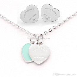 Новое поступление оптовая цена 3 цвета T штамп сердце серьги стержня ожерелье из нержавеющей стали 316L женское ожерелье серьги комплект ювелирных изделий на Распродаже