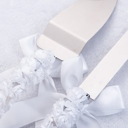 day knife UK - Qianxiaozhen Wedding Favors And Gifts Personalized Elegant Butterfly Wedding Cake Knife Serving Set Decoration Custom
