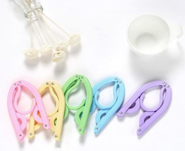 Plastic Foldable Clothes Hangers Australia - Travel Clothes Hangers Folding Clothes Hangers for Indoor Outdoor Use Skirt Hangers Foldable Portable Windproof Easy to Store