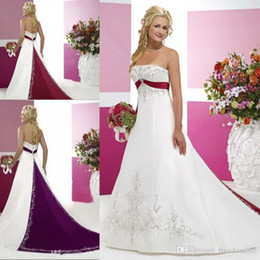 $enCountryForm.capitalKeyWord Australia - White and Red Wedding Dresses Strapless Bridal Gowns with Beaded Embroidery Empire Strapless Cathedral A Line Wedding Dresses