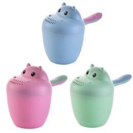 swim cup Australia - Cartoon Cat Shape Baby Wash Cup Shampoo Bailer Shower Spoons Sprinkler Swimming Water Toys