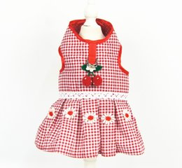 $enCountryForm.capitalKeyWord Australia - Originally innovative strawberry pet clothes, dogs and cats breathable tractive chest skirt pet supplies wholesale