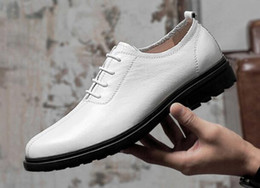 Cowhide Dress Shoes NZ - 2019 spring mens shoes dress shoes men luxury loafers men loafers First layer cowhide stylist men designer shoes 307