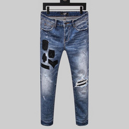 2020 Sommer-Stickerei Blumen Patchworkapplique-Denim Baumwolljeans Distressed Faded Cowboy Mens Mensentwerfer Hosen zerrissene Jeans