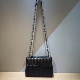 $enCountryForm.capitalKeyWord Australia - 2019 Woman Iron Chain The Single Shoulder Bag Internal And External Dermis Factory Outlet Hand Knit Woven Bag