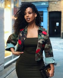 $enCountryForm.capitalKeyWord Australia - Camouflage Pattern With Sexy Red Lips Paste Womens Shirts Long Sleeve Fashion Lapel Neck Short Tops