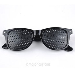 Occhi Occhiali da vista Full Eyesight Vision Improve Occhiali neri 14.6X4.8X14.2cm Ciclismo Pin Hole Eyes Training # 1026 # 87180