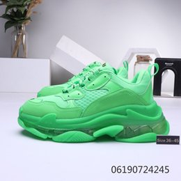 $enCountryForm.capitalKeyWord Australia - With Box Men Women designer Casual Shoes Cushion Triple S Dad Shoes Mixed Colors Thick Combination Nitrogen Outsole Cryst.