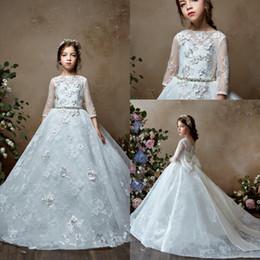 2019 Vintage Lace bambini primi abiti da comunione per le bambine vestito lungo ragazza carina fiore vestire ragazze pageant abiti in Offerta
