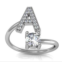 c6771c859052 2019 Nueva Moda 26 Cartas de Circón Anillo de Plata Para Las Mujeres de  Apertura de diamantes de Imitación de Cristal Anillos de Compromiso Joyería  Femenina ...