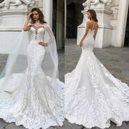 Venta al por mayor de Nuevos vestidos de novia de encaje de sirena hermosa con cuello escarpado cuello hundido vestido de boda bohemio Appliqued Plus Size Vestidos de novia De Novia