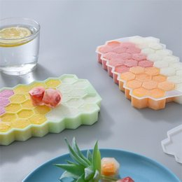 honeycomb mold 2020 - Hot sales With cover Silicone honeycomb ice lattice 37 lattice self-made ice mold Creative kitchen homemade ice mold T9I