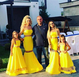 plus size mother daughter dresses UK - Sexy Yellow Two Pieces Flower Girls Dresses 2020 A Line Plus Size Mother and Daughter Matching Family Toddler