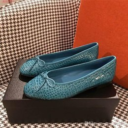 Shoes Green Color Australia - Snakeskin grain genuine leather women shoes Black red and green color high heels women dress shoes