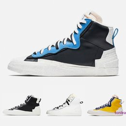 cheap blazers Canada - Cheap Sacai X Blazer Mid With Dunk Mens Running Shoes High Cut White Grey Black University Blue Varsity Maize men sports sneakers 40-45