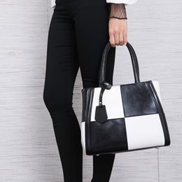 $enCountryForm.capitalKeyWord Australia - Charm2019 Color Collision Genuine Leather Handbag Europe And America Fashion Cowhide Single Shoulder Package Simplicity Spell Colour Bag