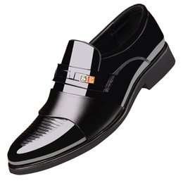 $enCountryForm.capitalKeyWord Australia - 37-48 High Quality Patent Leather Dress Shoes Tide Pointed England Style Business Wedding Formal Flats Loafers Brown Black Shoes For Men